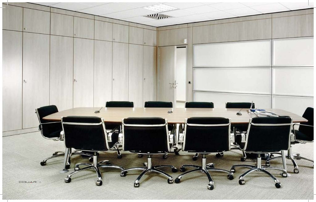 Arredo ufficio per sale riunioni a torino comar sistemi for Sala arredamento