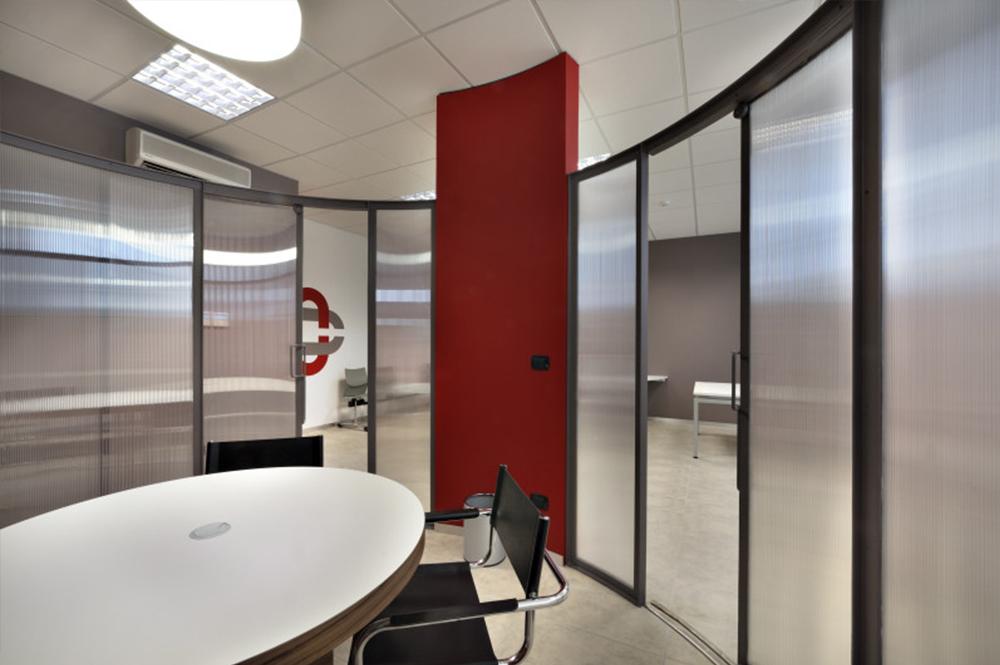 Arredo ufficio elegante a Torino - COMAR Sistemi